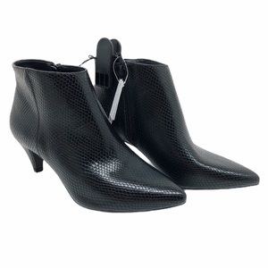 (SH-130) Time and Tru BootS Heel Black Size 7.5